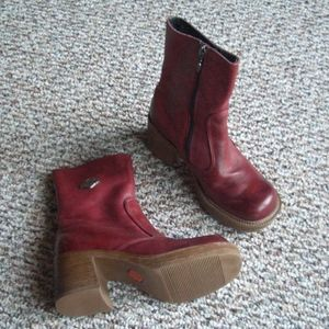 Harley Davidson red leather ankle boots 5.5